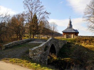 Kamienny most i cerkiew, fot. Robert Bajorek