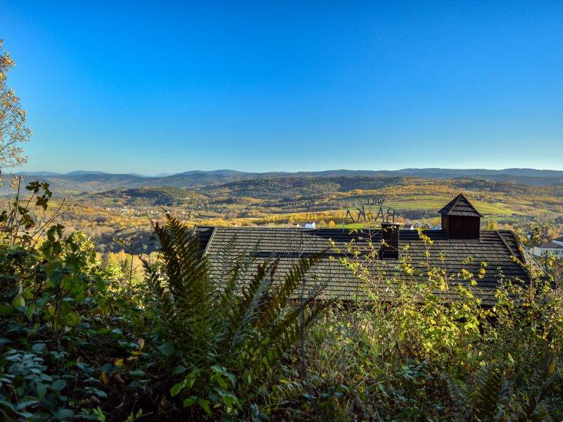 Widok z Lanckorońskiej Góry na Beskid Makowski, fot. Radosław Szczepanek