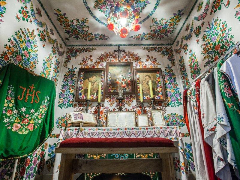 Wnętrze kościoła parafialnego, fot. fotohuta / Shutterstock.com