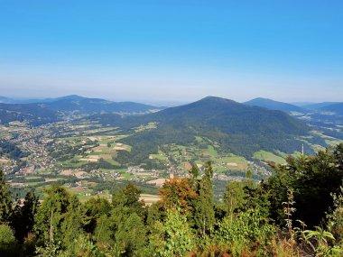Panorama na Beskid Wyspowy spod szczytu Szczebla, fot. Agnieszka Cygan